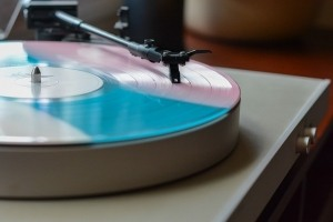 How to ground a record player demo image